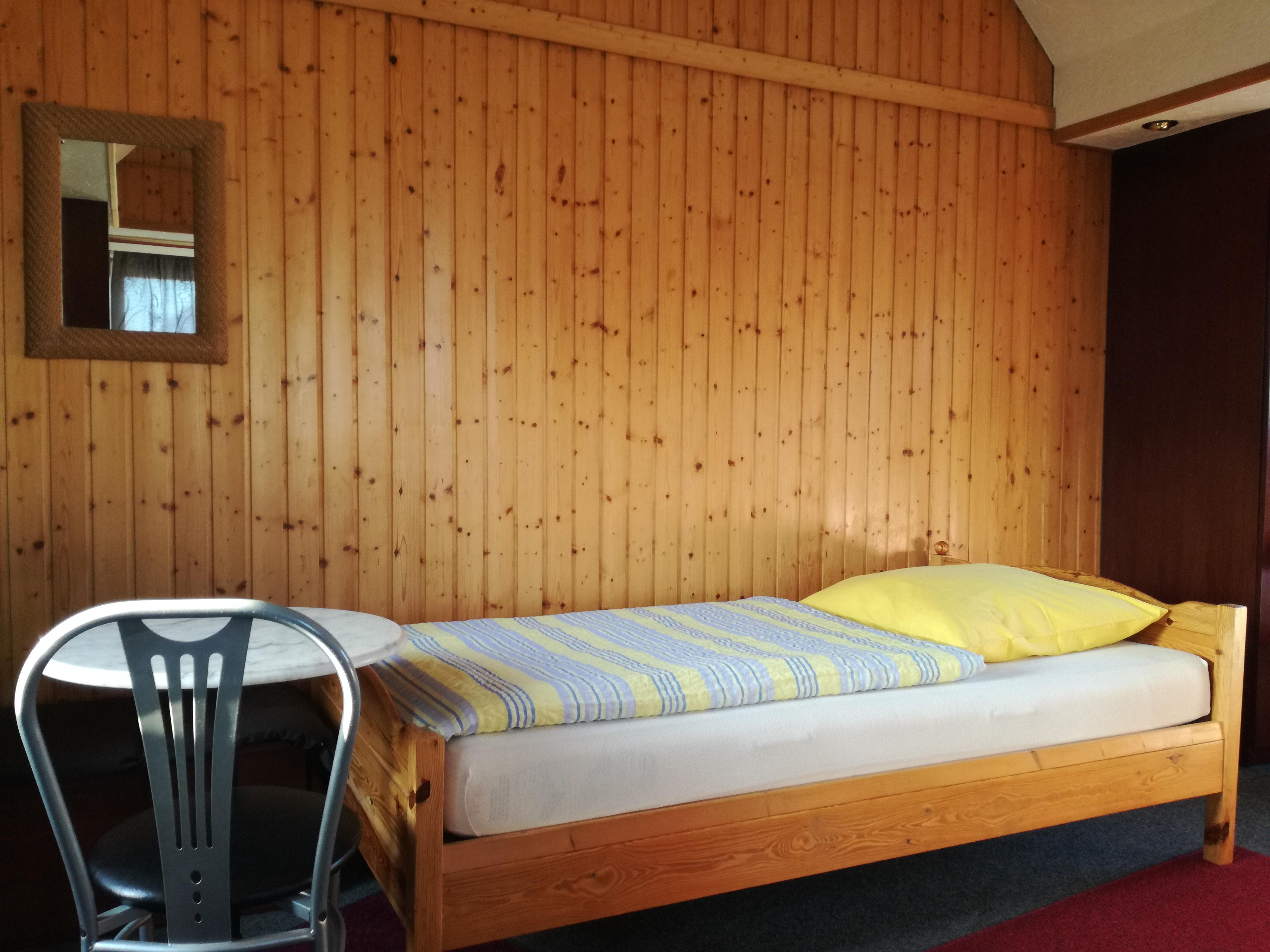 Mehrbettzimmer max 5 betten zimmer hannover for Zimmer hannover